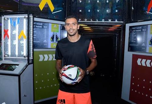 هجهوج يُوقع عقدا إشهاريا مع شركة ألبسة، ويصرح لهسبورت: أتمنى اللعب لبرشلونة