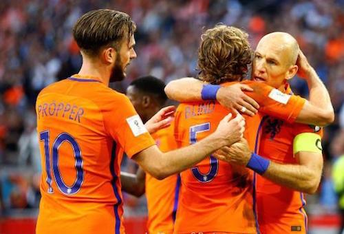 هولندا تستعيد توازنها في تصفيات المونديال بالفوز على بلغاريا