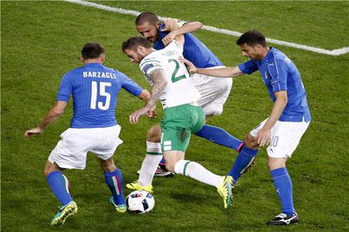 إسبانيا تخشى كابوس هولندا وتشيلي أمام الدفاع الإيطالي