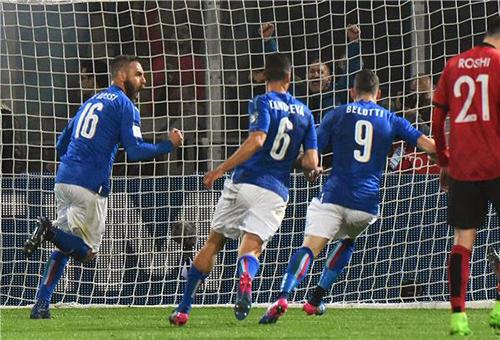 إيطاليا تكتسح أوروغواي وديًا