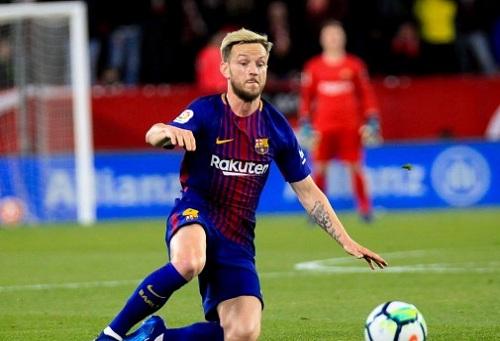 """برشلونة يحسم رسميا في مصير راكيتيتش بعد """"زحمة"""" مركاتو الوسط"""