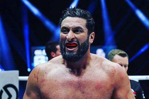 ريكو يفوز بصعوبة بالغة على البطل المغربي جمال بن صديق