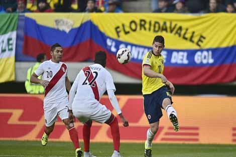 بينيتيز: لا يمكن منع خاميس من اللحاق بكولومبيا