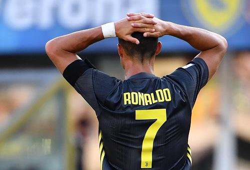 رونالدو يكشف مضمون حديثه مع كوادرادو عقب الحصول على الرقم 7 رفقة يوفينتوس