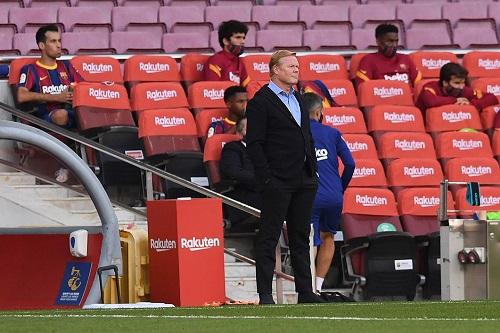 """رونالد كومان يطالب بـ""""الهدوء والوقت"""" مع برشلونة"""