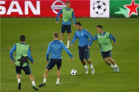 تدريبات ريال مدريد تحت الامطار