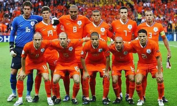 مدرب هولندا: قادرون على تخطي أي منتخب