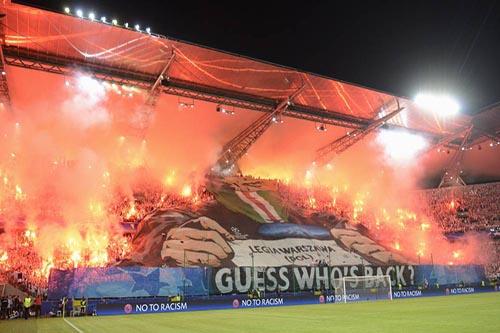 جماهير ليغيا وارسو تثير الرعب قبل مواجهة ريال مدريد
