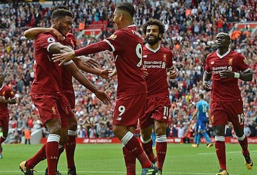 ليفربول يتلقى ضربة موجعة قبل مواجهة مانشستر يونايتد
