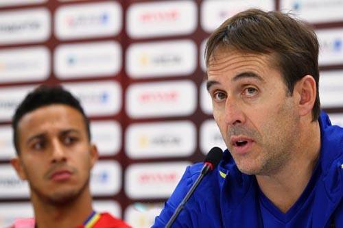 مدرب إسبانيا يُحرج كريستيانو رونالدو في اختيارات الأفضل