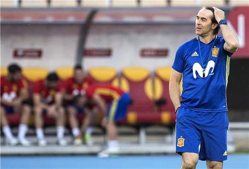 مدرب منتخب إسبانيا يتوقع مباراة مختلفة أمام مقدونيا