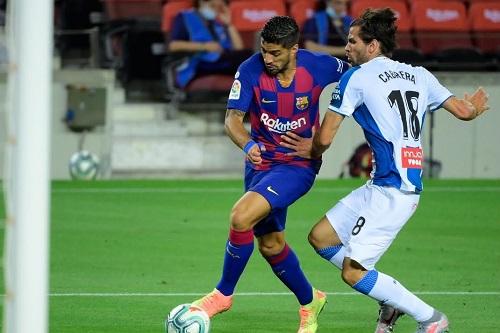 برشلونة يطيح بجاره إسبانيول من دوري الدرجة الأولى ويقلص الفارق عن الريال