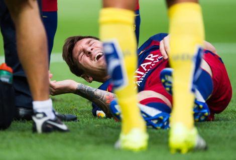 """الكرة الأرجنتينية تبكي إصابة ميسي التي ستغيبه عن """"التانغو"""""""