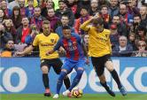 """ملقا """"يفرمل"""" برشلونة ويجبره على التعادل بملعب """"الكامبنو"""""""