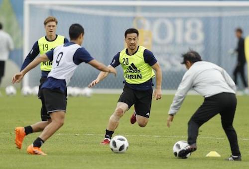 أوكازاكي يغيب عن تدريبات اليابان