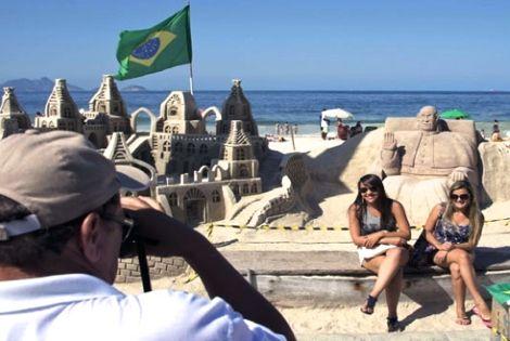 شاطئ كوباكابانا بريو دي جانيرو، مفخرة البرازيل وسحر جمال لا يقاوم