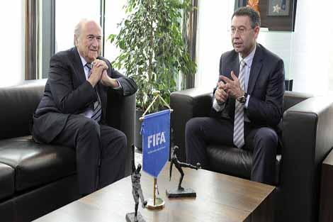 الاتحاد الدولي يهدد بمعاقبة برشلونة من جديد