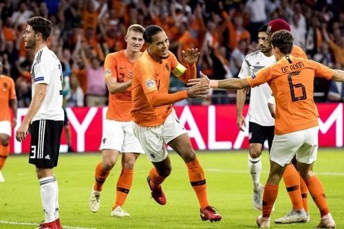 """بعد أعوام من """"الأحزان الكروية"""" .. الكرة الهولندية تتفاءل بالمستقبل"""