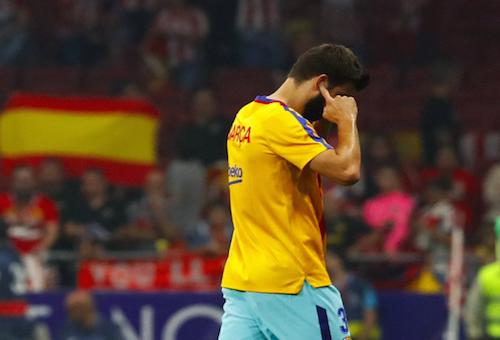 برشلونة يستأنف ضد إنذاري بيكيه وسواريز