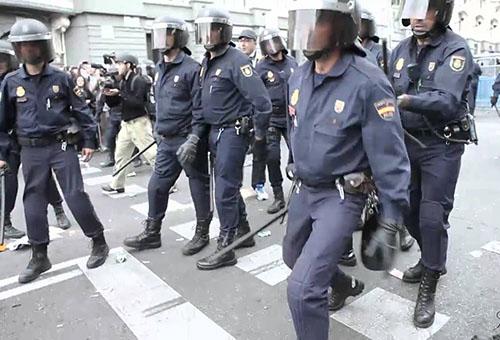 تكثيف الإجراءات الأمنية لمباراة ريال مدريد ونابولي