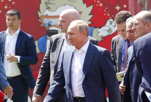 بوتين يكرم المنتخب الروسي بعد إنجاز المونديال