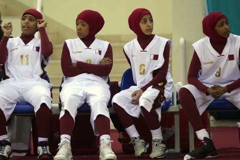 انسحاب منتخب قطر للسيدات من الألعاب الأسيوية لمنعهن من الحجاب