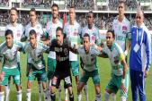 فاخر يستدعي 21 لاعبا لمواجهة المغرب التطواني