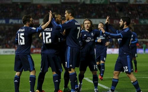 ريال مدريد يفتقد 4 لاعبين أمام روما