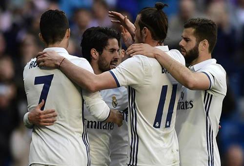 ريال مدريد يتخطى ألافيس بثلاثية ويواصل التحليق في صدارة الدوري الإسباني