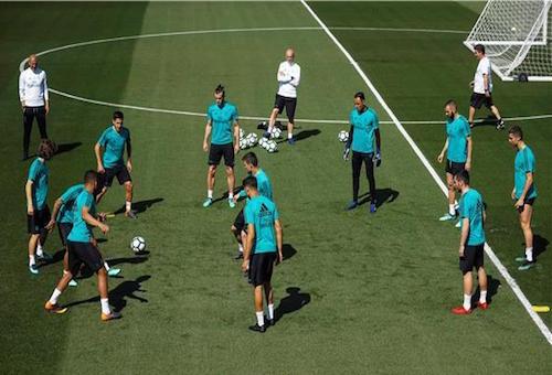 ريال مدريد يخوض ثاني تدريباته تحت قيادة لوبيتيغي