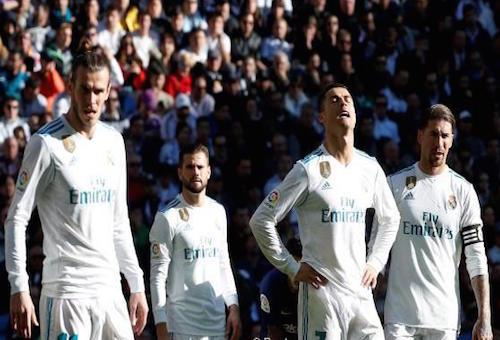 برشلونة وريال مدريد يأملان في استعادة توازنهما بالليغا