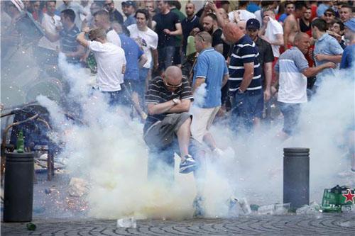فرنسا لن تسمح بأي شغب خلال مباراة إنجلترا وروسيا