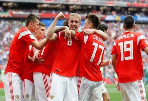 منتخب روسيا يسجل الهدف الثاني أمام السعودية في الدقيقة 44