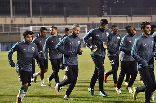 مدرب السعودية يختار 28 لاعبًا لمعسكر أبوظبي