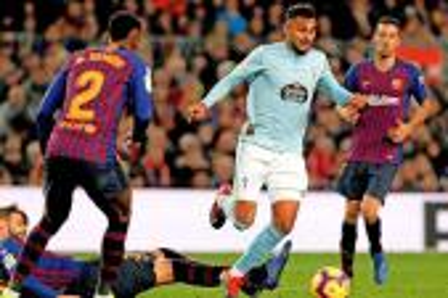 بوفال يتفوق على ميسي.. المغربي أفضل مراوغ في الدوري الإسباني