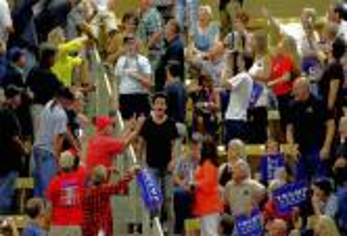 الجدل حول احتجاجات اللاعبين السياسية يتواصل مع انطلاقة دوري كرة السلة الأمريكي