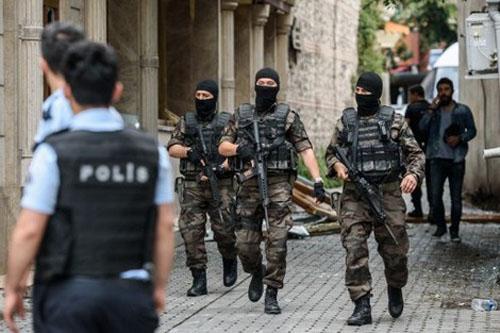 """""""الأسود"""" يتضامنون مع ضحايا مطار إسطنبول"""