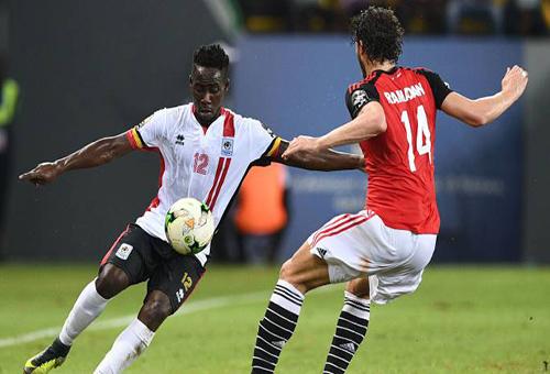 مصر تحقق فوزا صعبا على أوغندا وتضع قدما في ثمن نهاية كأس الأمم الإفريقية