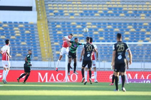 8 أهداف عكسية  في ذهاب البطولة الوطنية الاحترافية
